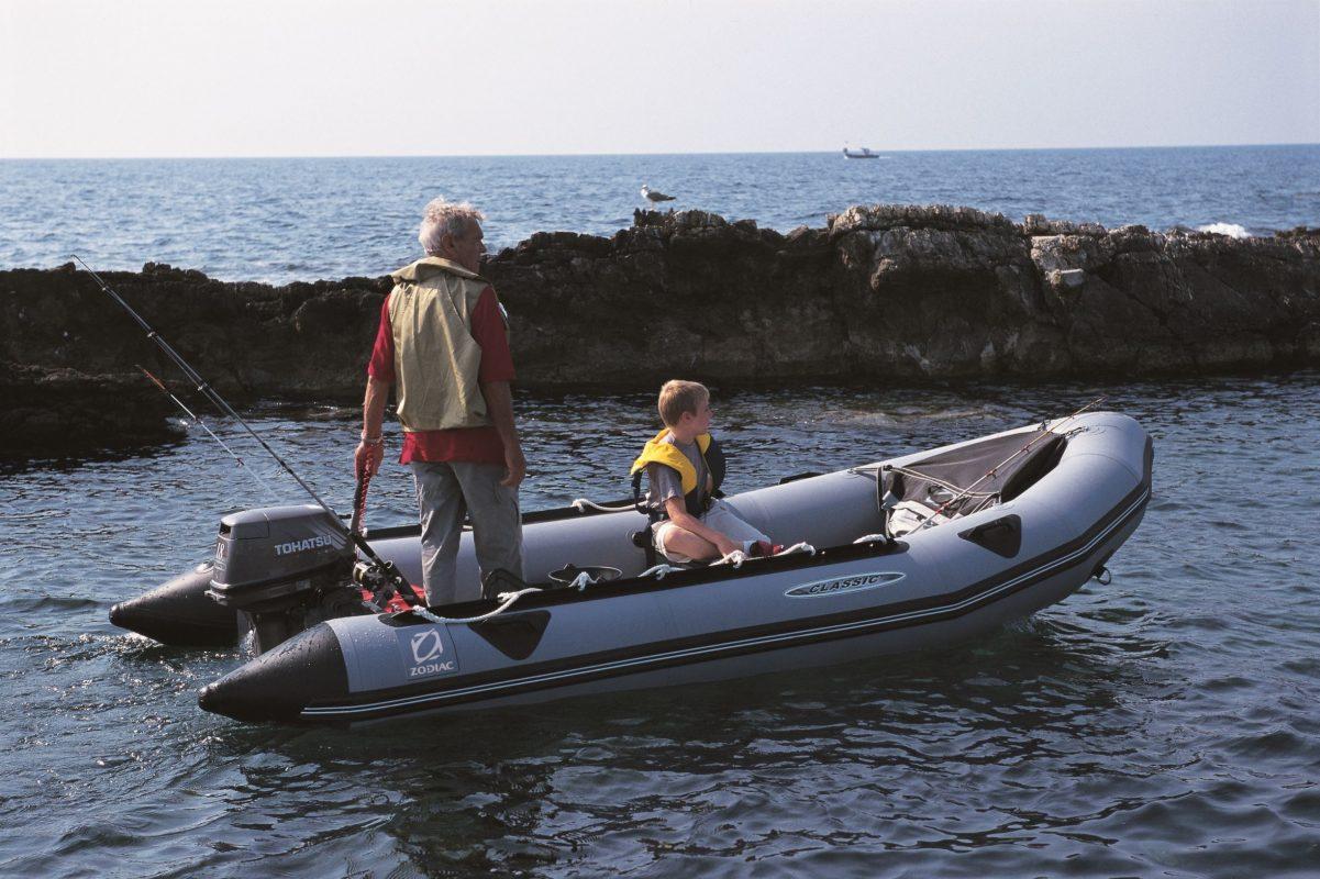 Tiêu chí chọn mua thuyền hơi câu cá chất lượng nhất hiện nay